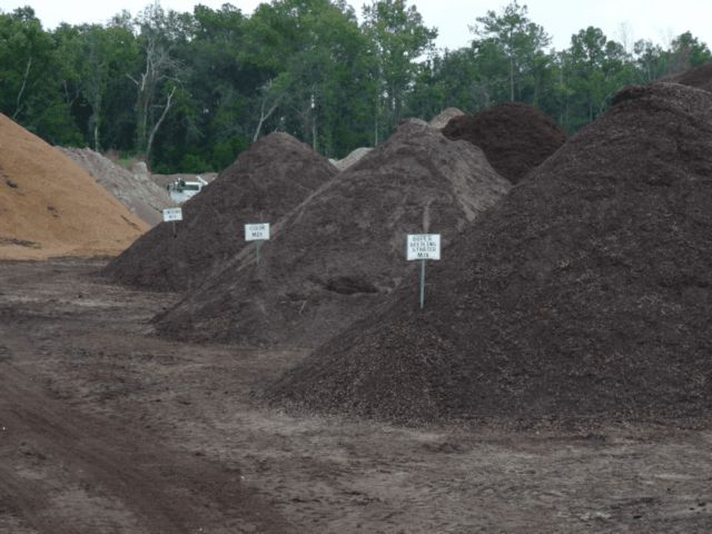 mulch compost landscaping soil blends